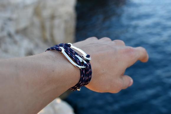 bracelet captain ancre hook hameçon argent ruban rouge bijoux marseille nautique bleu marine